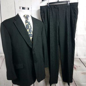 Haggar 1926 Q 50R Charcoal Black Striped Suit